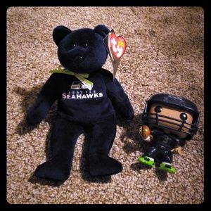 Accessories - Seahawks items